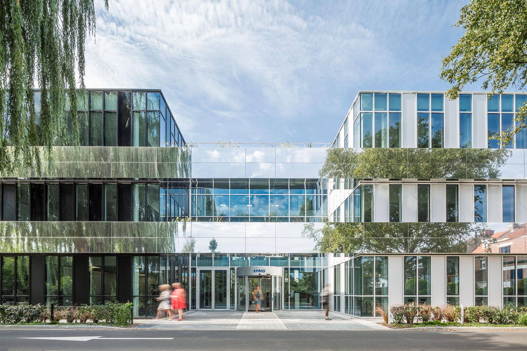 photographie d'architecture d'un bâtiment tertiaire à Lille