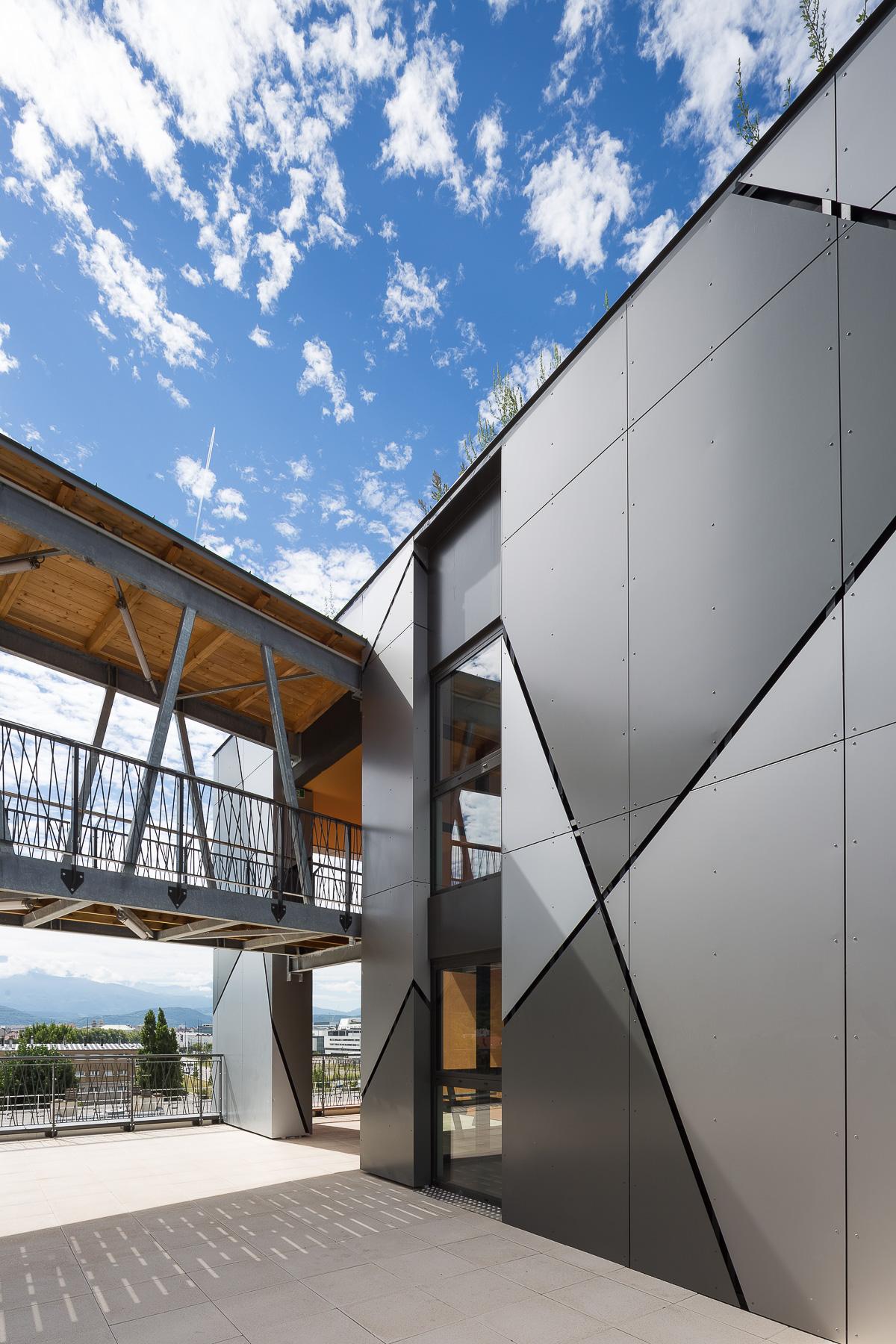 photographie d'architecture d'une résidence étudiante à Grenoble
