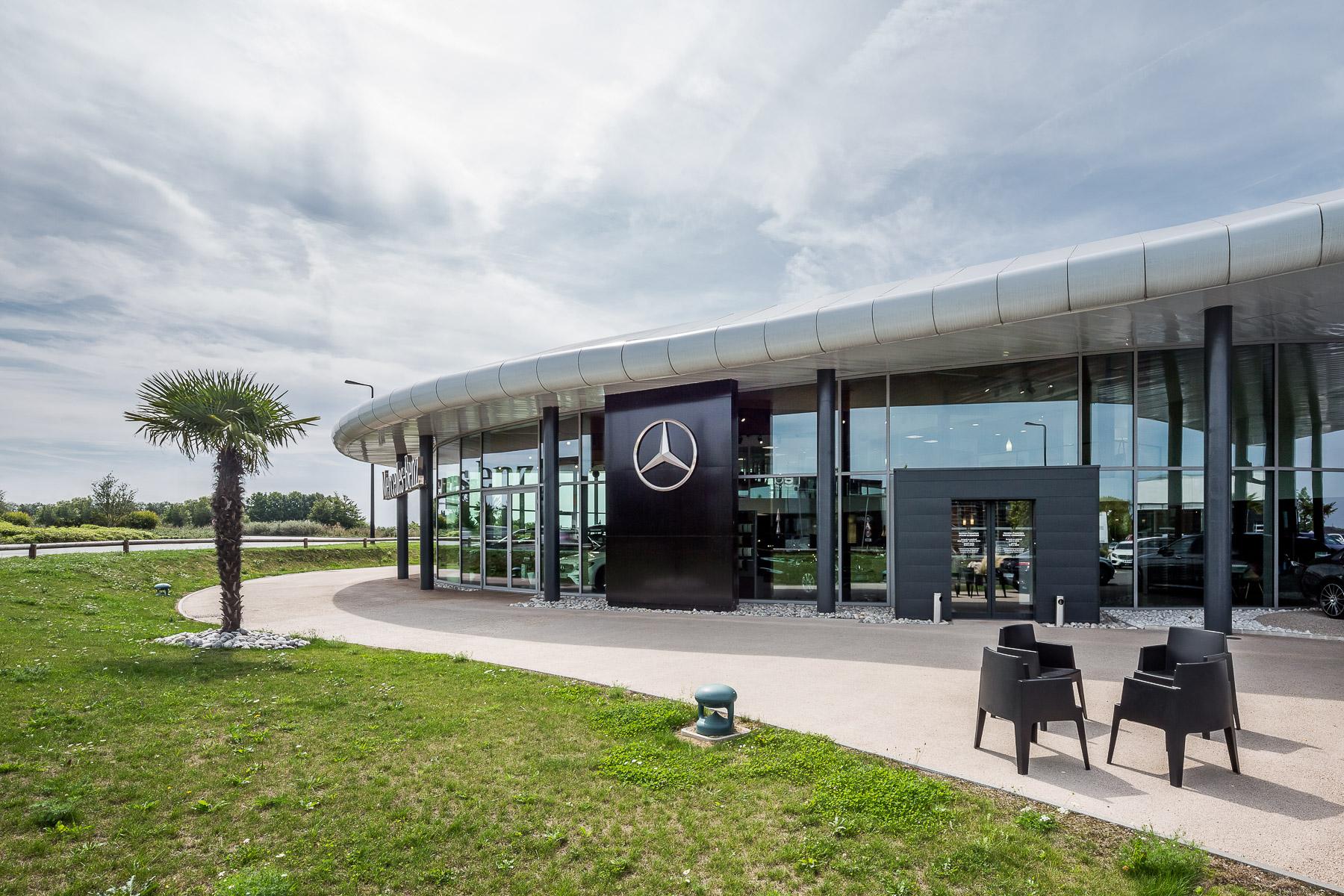 photographie d'architecture d'une concession automobile à Valenciennes