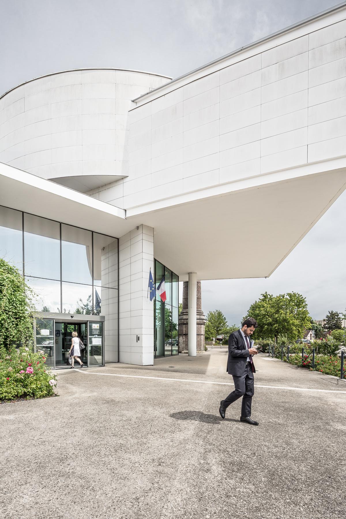 photographie d'architecture d'un bâtiment administratif à Troyes