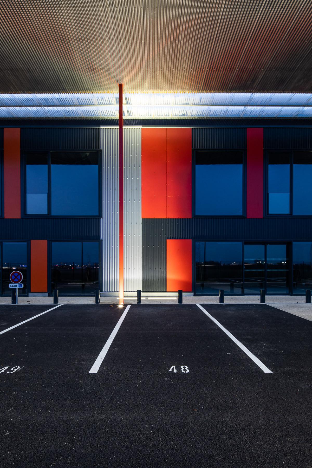 photographie d'architecture d'un immeuble de bureaux dans l'Aube